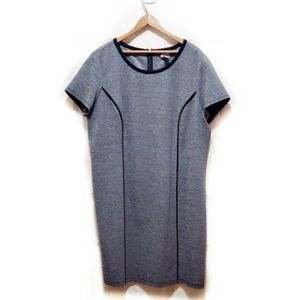 🎉Chico's Gray Black Cap Sleeved Bodycon Dress🎉
